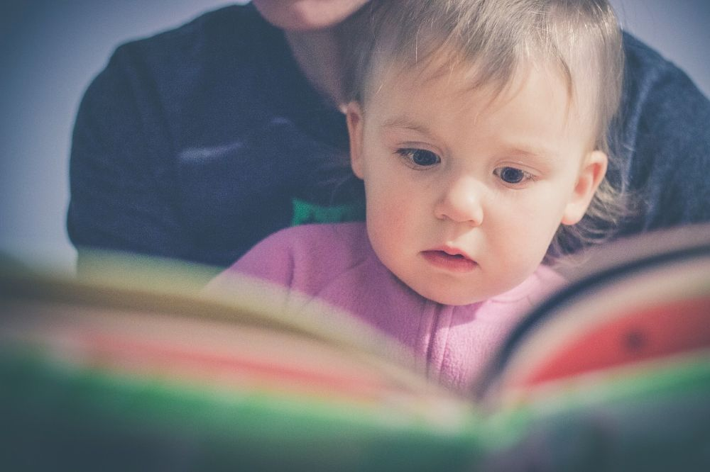 Als de baby kon beslissen koos hij vast voor deze interessante boekjes